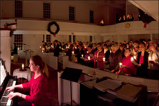 Christmas Eve at First Parish Church in Northborough, Massachusetts (Gary Phillips)